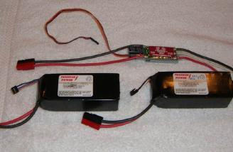 Two 3S2P Thunder Power 4200 ProLite batteries are joined in series for a 6S2P configuration. A Castle Creations Phoenix 80 directs the electrons.
