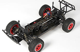 The 4WD off-road chassis uses a stout aluminum chassis plate and upper deck.