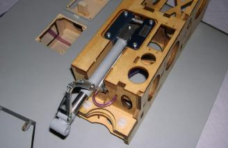 Retract installed into wood nacelle