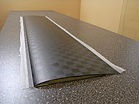 Name: vingemodell_20.JPG Views: 23 Size: 358.2 KB Description: It's an illusion to think that an actual wing in unpainted carbon would look like this, the outer carbon layer would always be at +-45* orientation for torsion stiffness.