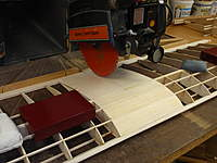 Name: Airborn 1600 Wing Cutting midsection in two 002.jpg