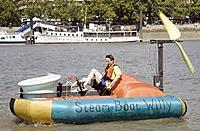 Name: Willy-Hovercraft cruises Thames by human power alone 2.jpg