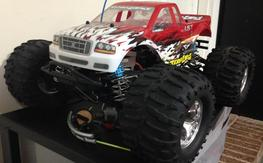 **REDUCED** TEAM LOSI RACING - LST 4X4 - LOSI SUPER TRUCK - TRUE ROLLER w/ EXTRA'S