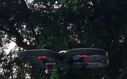 Parrot ar drone 1.0 w/ extras