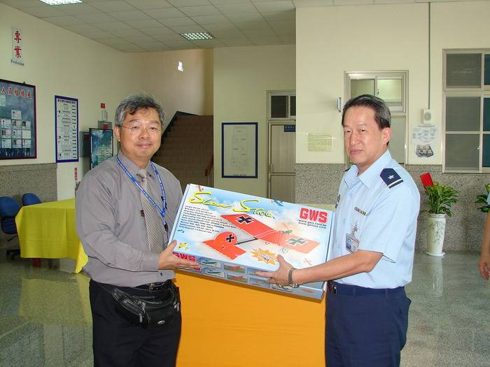 Send the GWS Slow Stick kits and parts to Airforce University of Taiwan