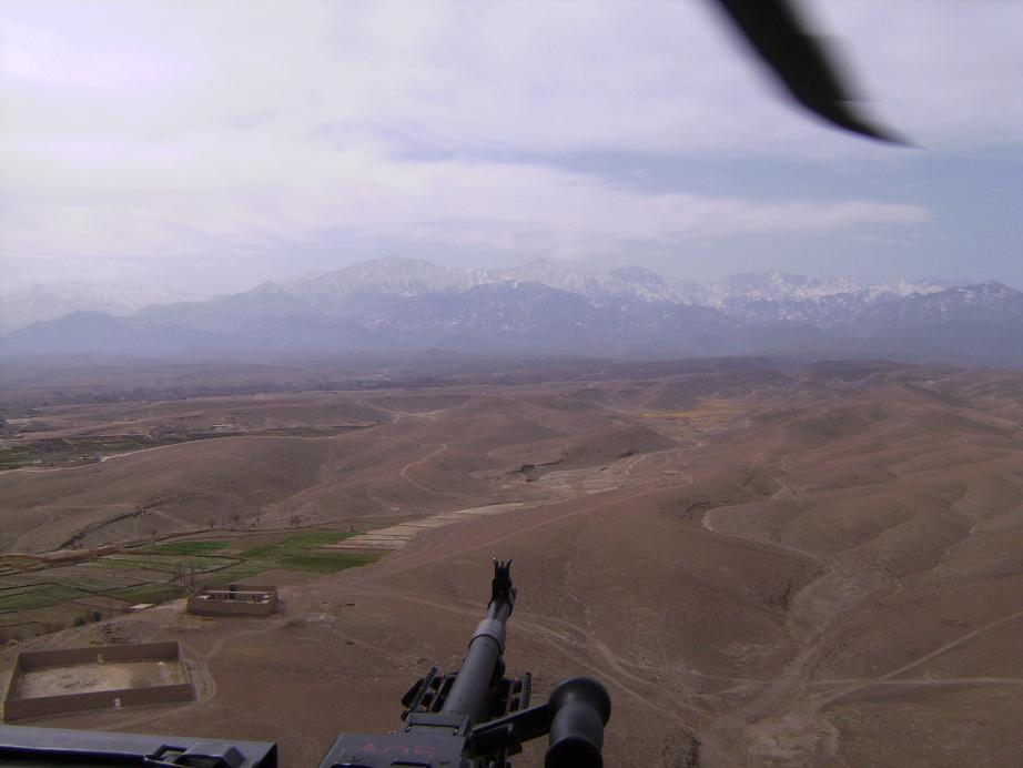 I had my door gunner take a picture of the Pakistan border... see those mountains... dont fly over there!