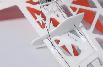 Interlocking setup of SFGs and carbon fiber wing supports.
