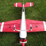 The transparent red covering and white stripes give the Extra 300 SHP excellent orientation in the air.