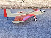 Name: DSCN0770.jpg Views: 62 Size: 326.5 KB Description: Delta Duck battery very near the CG.