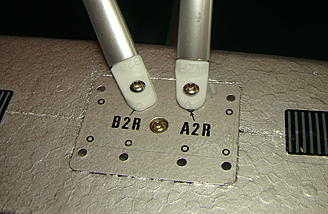 <b>Right front float braces</b>