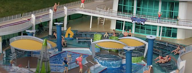 Detail of the pool area.