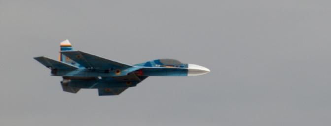 Fast flybys are pure eye candy with the Su-27