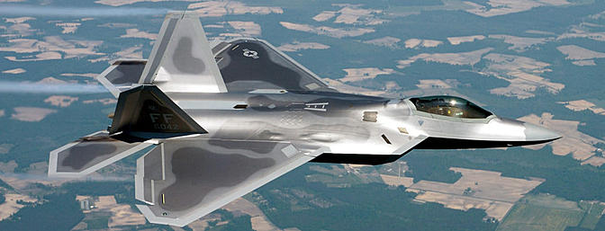 This US Air Force photo shows a real F-22A in flight.  The plane is in service at the 27th Fighter Squadron at Langley Air Force Base, Virginia.  (Photo:  Wikimedia Commons)