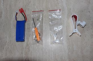 Os retentores são prop no saco apenas à esquerda do clipe aparelho.