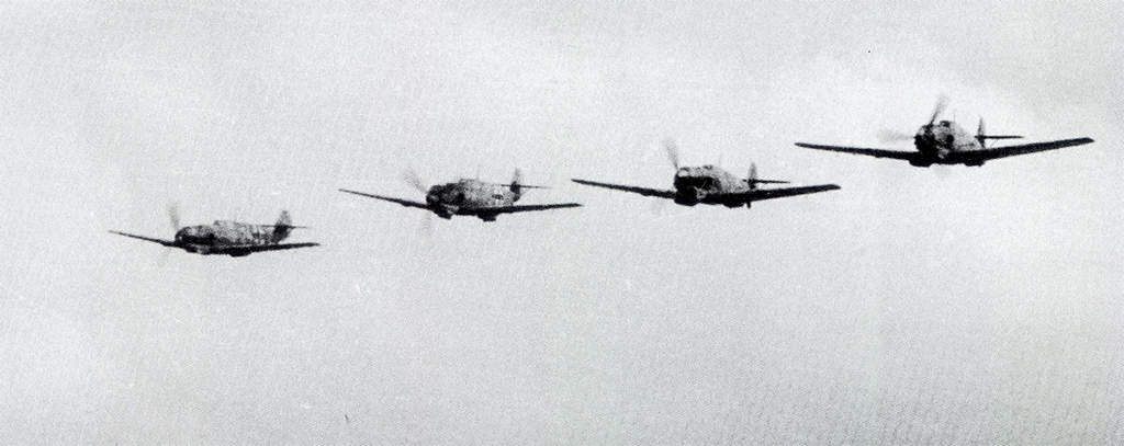 a3560994-249-1-Bf-109E-Finger-Four-forma