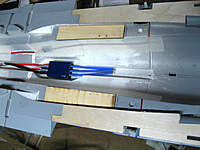 Name: F16_servo_wiring.jpg