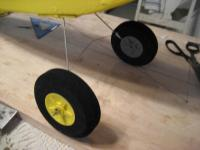 Name: landing gear with spreader.jpg