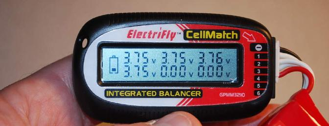 Here you see the small battery icon to the left. It is indicating that the ElectriFly 1200 3s pack was nearly discharged with only 1 bar showing.