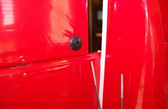 A close up of the elevator horn. A threaded screw installs here with a horn that allows easy setup.