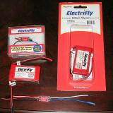 Here you can see the ESC�s and batteries used for the review.
