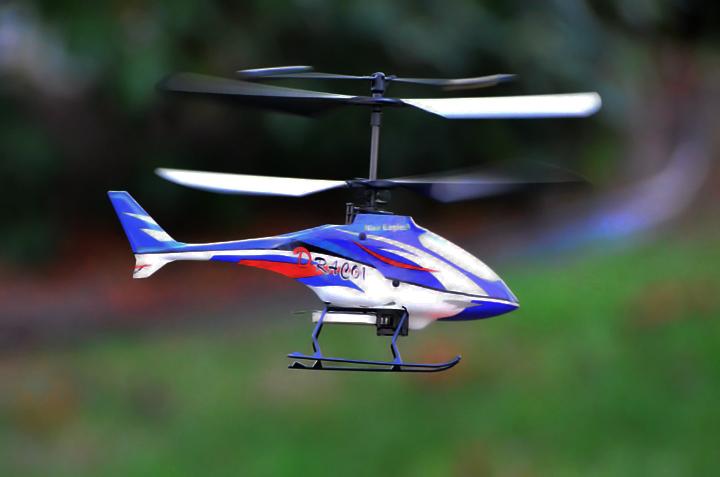 Name: flying2.jpg Views: 415 Size: 202.8 KB Description: