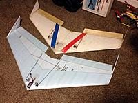 Name: flytrap_6.jpg Views: 1026 Size: 38.6 KB Description: Unpainted Flytrap Wing in front and Superbad PW51 Airfoiled EPP Comabt wing in back