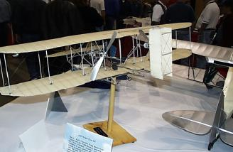 Wayne Ulery's gorgeous 1/10th scale model of the 1905 Wright Flyer III.