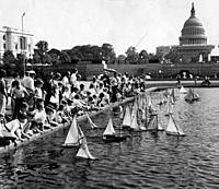 Name: KellCol_0021353198181.jpg Views: 107 Size: 68.6 KB Description: The Washington Post -  Model sailboats raced across the pool in front of the Capitol on April 30, 1935. Model boat races are not allowed on the Mall today.