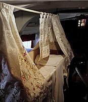 Name: RN bunk coffin.jpg Views: 97 Size: 68.3 KB Description: Looks pretty cozy to me...