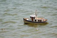 Name: DSC_1777a.jpg Views: 143 Size: 49.1 KB Description: Lil fishing boat