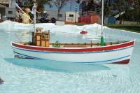 Name: DSC_1988a.jpg Views: 141 Size: 68.5 KB Description: Fishing boat again