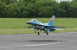 Turbine F-16 Landing