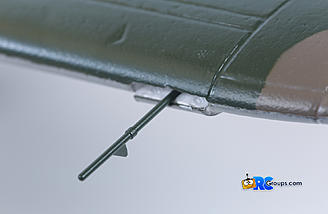 Pitot tube can be installed in a slot in the leading edge of the port wing
