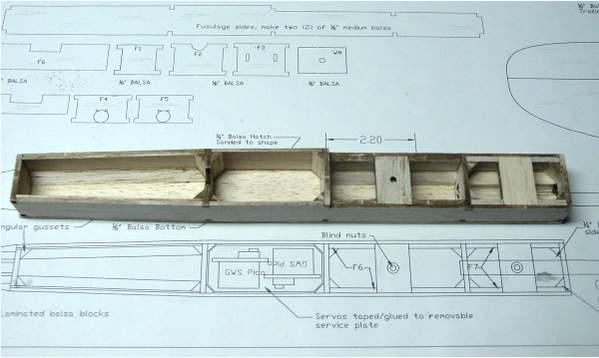 Name: photo1_pod.jpg Views: 442 Size: 23.3 KB Description: Fuselage of the QFII so far.