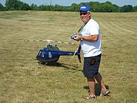 Name: DSCN1366.jpg Views: 64 Size: 306.8 KB Description: Awesome heli & pilot