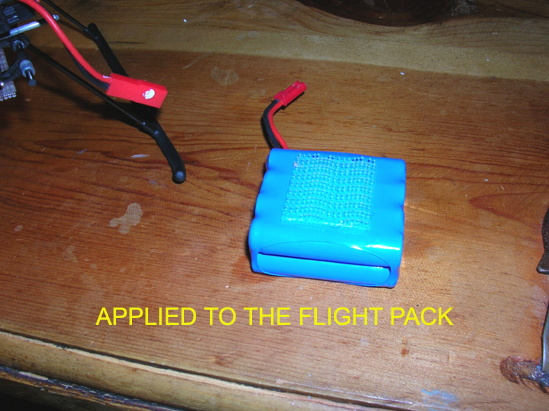 Name: 13.jpg Views: 663 Size: 253.9 KB Description: This has the advantage of releasing the battery in a hard landing (crash), minimizing damage.