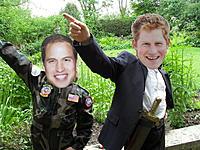 Name: 015.jpg Views: 134 Size: 312.4 KB Description: The princes celebrating