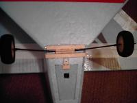 Name: DCFC0012.jpg Views: 386 Size: 52.0 KB Description: Carbon Rod landing gear...