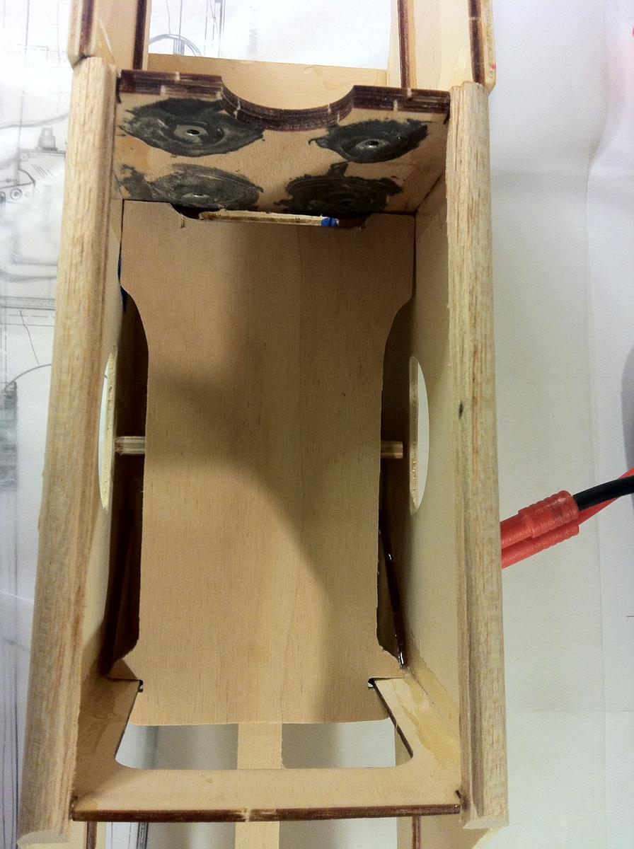 Name: 036.jpg Views: 107 Size: 120.8 KB Description: Battery tray cut and in place.