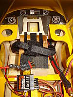Name: DSC03528.jpg Views: 346 Size: 111.8 KB Description: battery bay setup