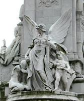 Name: heroine_statue02.jpg