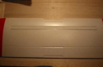 Plywood cap spar formed the robust wing spar.