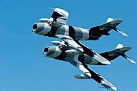 Name: 6866052856_f180572dfa_z.jpg Views: 276 Size: 101.2 KB Description: Black Diamond Jet Team flys two Mig-17's along with 4 L-39's