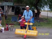 Name: 100_2037.jpg Views: 182 Size: 125.0 KB Description: Su servidor, José Antonio Rivera y mi hijo, con mi funstar 40