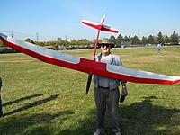 Name: 002.jpg Views: 103 Size: 299.2 KB Description: Dale and his Hawk!