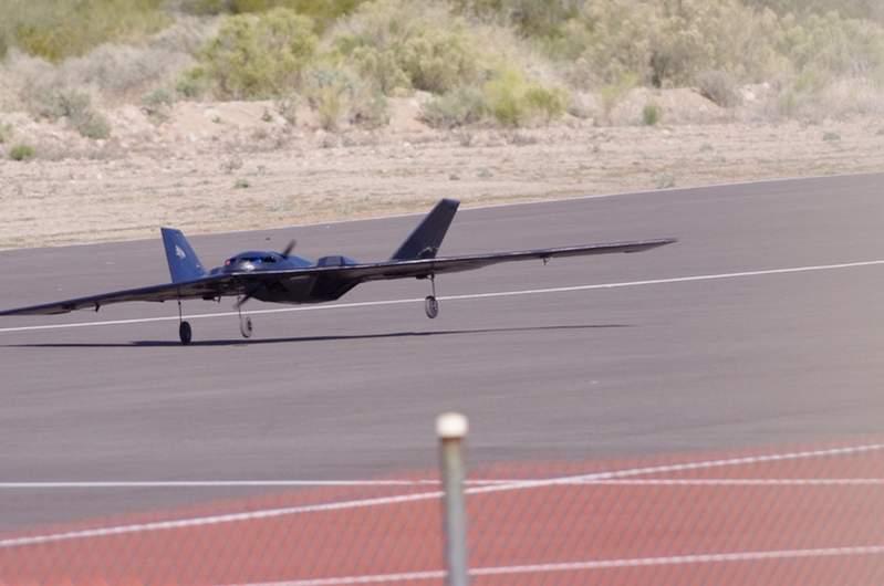 Attachment browser: B-2 Stealth Bomber Landing -5260.jpg ...