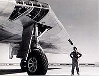 Name: Northrop_YB-49_Landing_gear.jpg Views: 91 Size: 62.5 KB Description:
