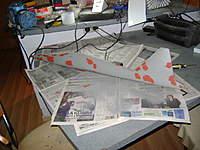 Name: DSC00304.jpg Views: 250 Size: 42.1 KB Description: Ya el fuselaje fondeado nuevamente con los últimos ¨retoques¨ en masilla roja, para luego fondear  nuevamente y pulir, con esto estaría lista la matriz del fuselaje.