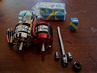 Name: SpindleMotors.jpg Views: 670 Size: 162.2 KB Description: Piecess and parts for a new milling spindle