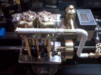 Name: IMG00179.jpg Views: 662 Size: 76.7 KB Description: Engine with steam manifold and lubricator.